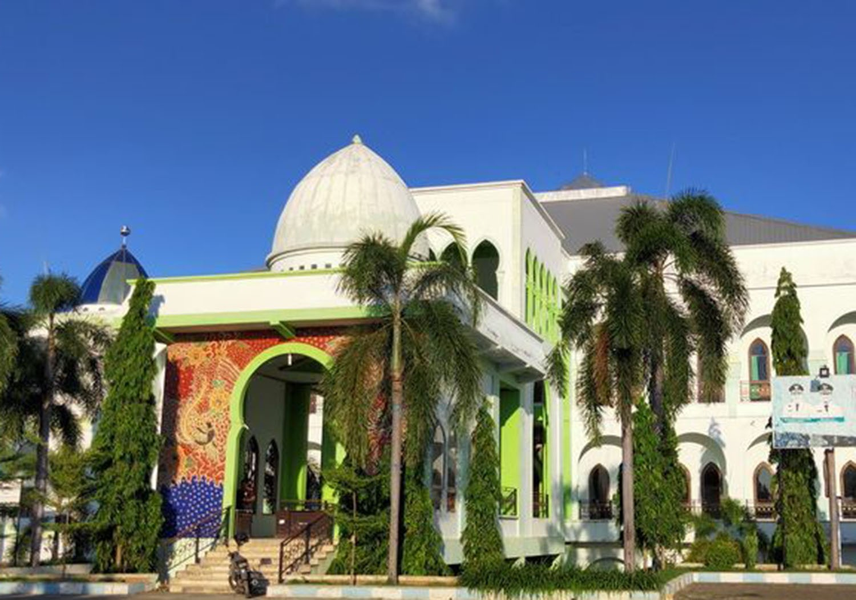 gedung-islamic-center-jadi-tempat-observasi_m_190364.jpg