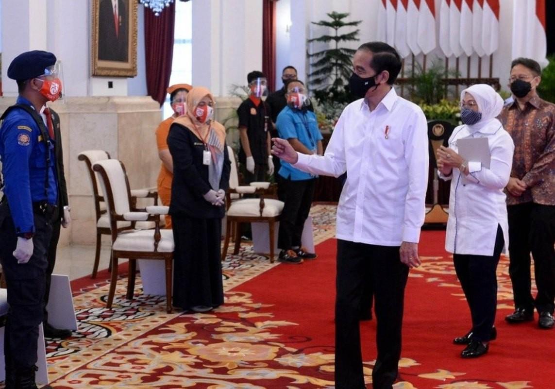 Presiden Jokowi Luncurkan Bantuan Subsidi Gaji/Upah Bagi Pekerja