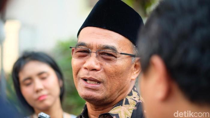 Jokowi Akan Kirim Sembako untuk TKI di Malaysia yang Terdampak Lockdown